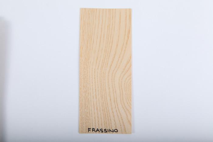 Bordo in legno frassino essenza